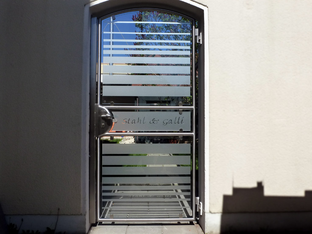 eingangst r aus edelstahl mit glasf llungen glaserei stahl diedorf lk augsburg. Black Bedroom Furniture Sets. Home Design Ideas
